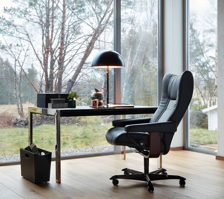 Receive 25% off Stressless® office